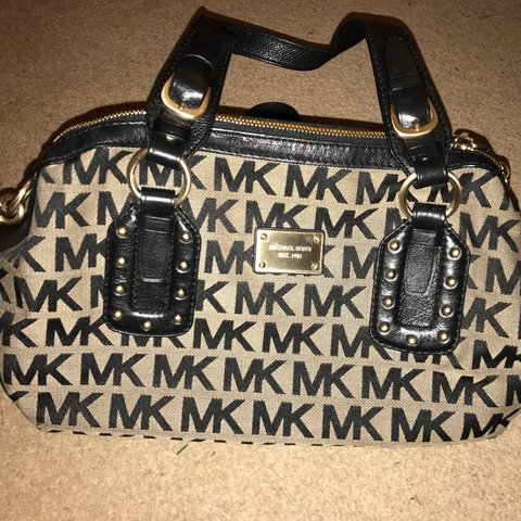 09a45a5905b5 @emileelucia. 2 years ago. London, UK. Michael Kors bag, used several  times, excellent condition. Black ...