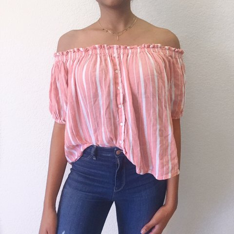 35803e76d1d958 SUPER CUTE FOREVER 21 OFF THE SHOULDER TOP STRIPED WITH DOWN - Depop