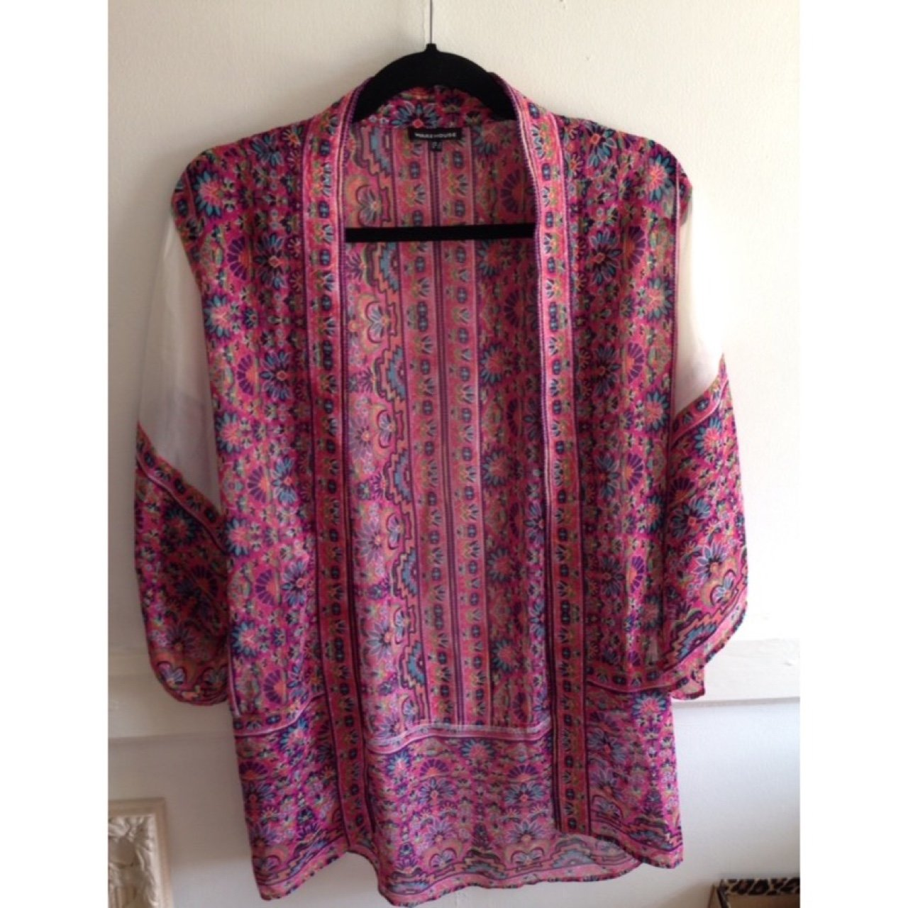 79427f940 Warehouse pink and white patterned kimono summer holiday up - Depop