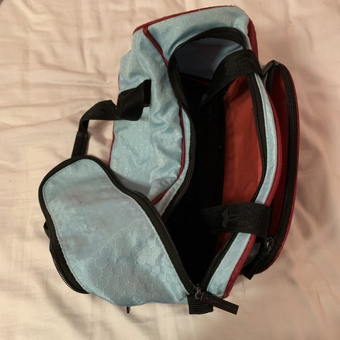 Small gym duffle bag lightly used still clean tiny frays in - Depop e820bb77b9128