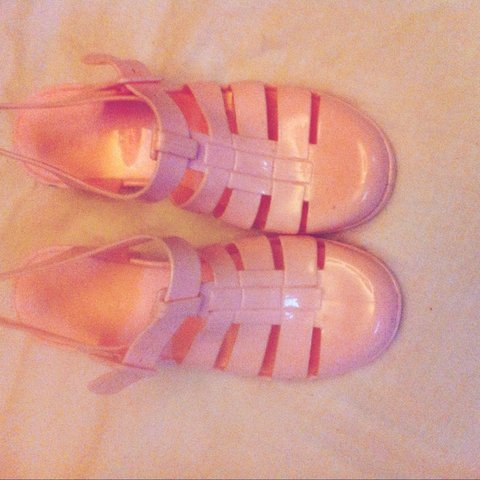 139e915b98e8 Baby pink jelly (juju) sandals with small chunky heel bought - Depop