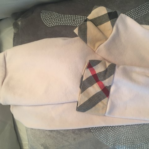 24f1eb0e057a7 @arlenemcp. 2 years ago. Glasgow, United Kingdom. Baby pink Burberry  leggings. Say age 4 but small made
