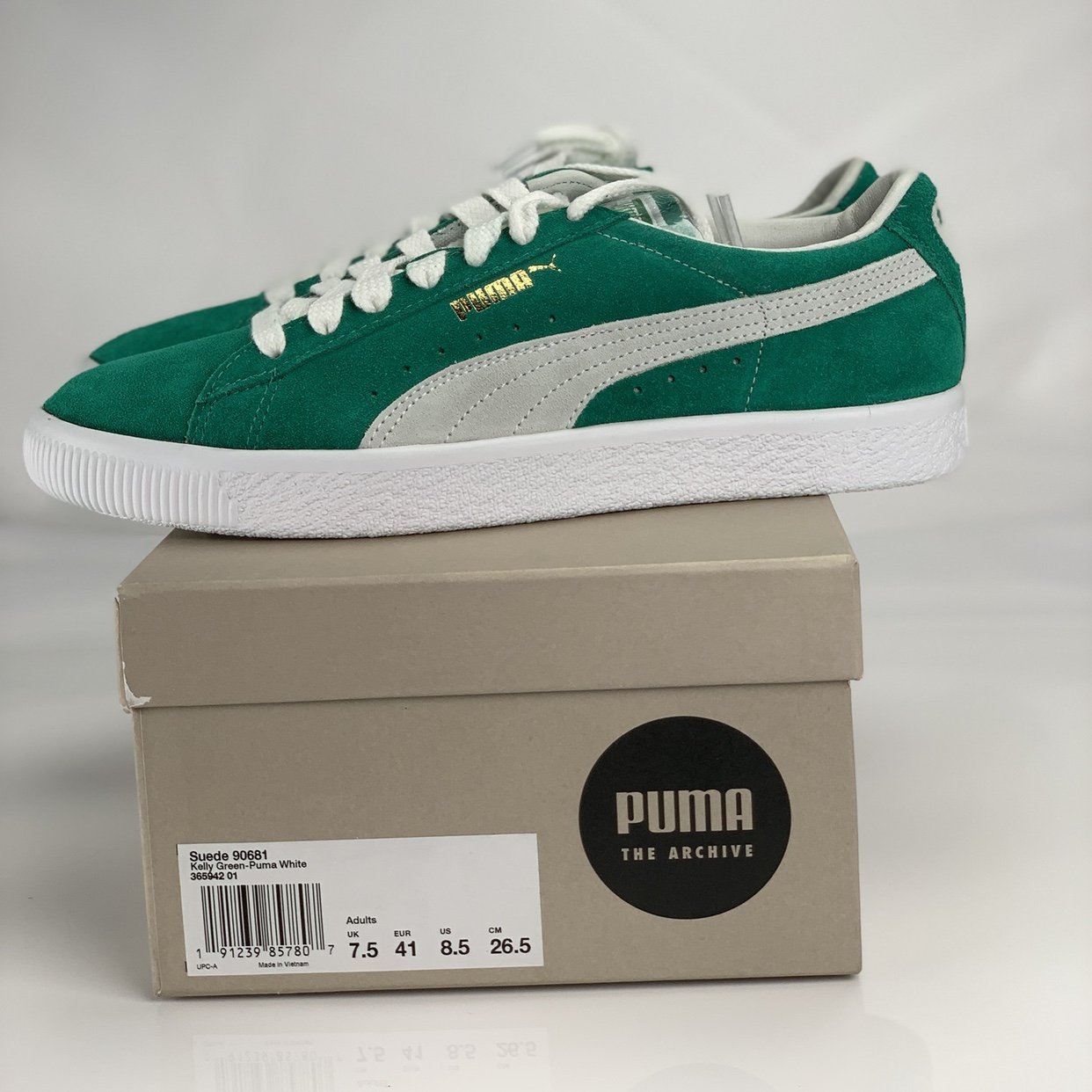 sneakers for cheap 93c9f ed4e5 For sale is a pair of Puma suede 90681 in Kelly... - Depop