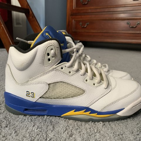 55006fe2576c22 Jordan Retro 5 Laneys size 7Y. These shoes are in very good - Depop