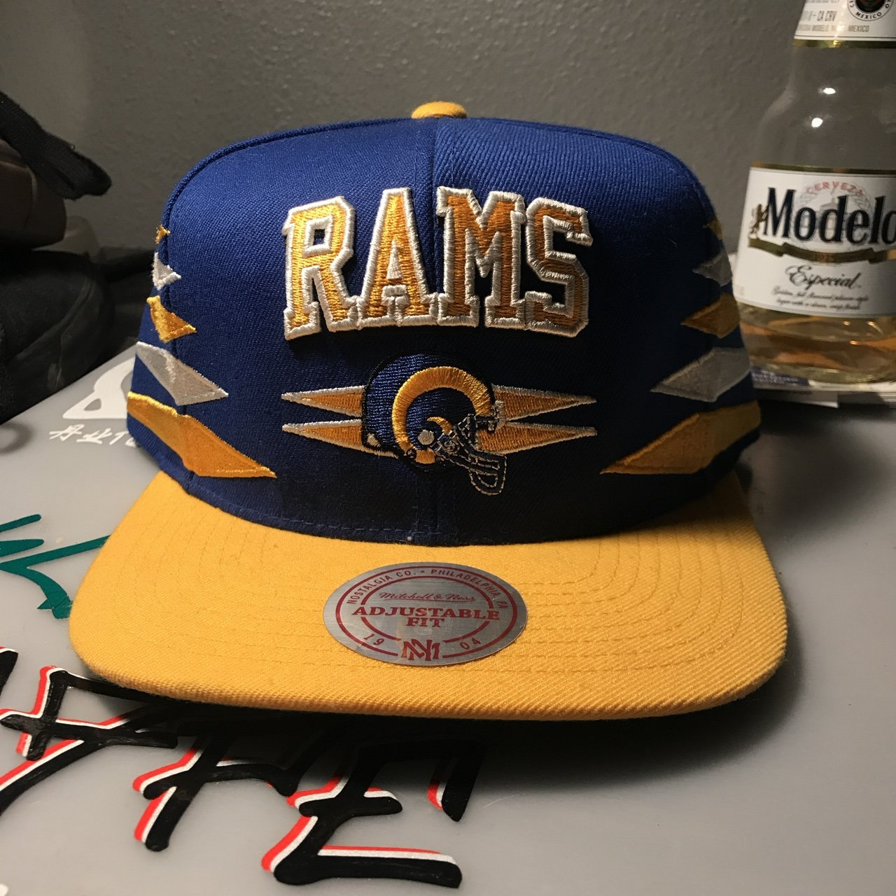 4d0753244c5 Los Angeles Rams Mitchell   Ness SnapBack Like new 10 10 - Depop