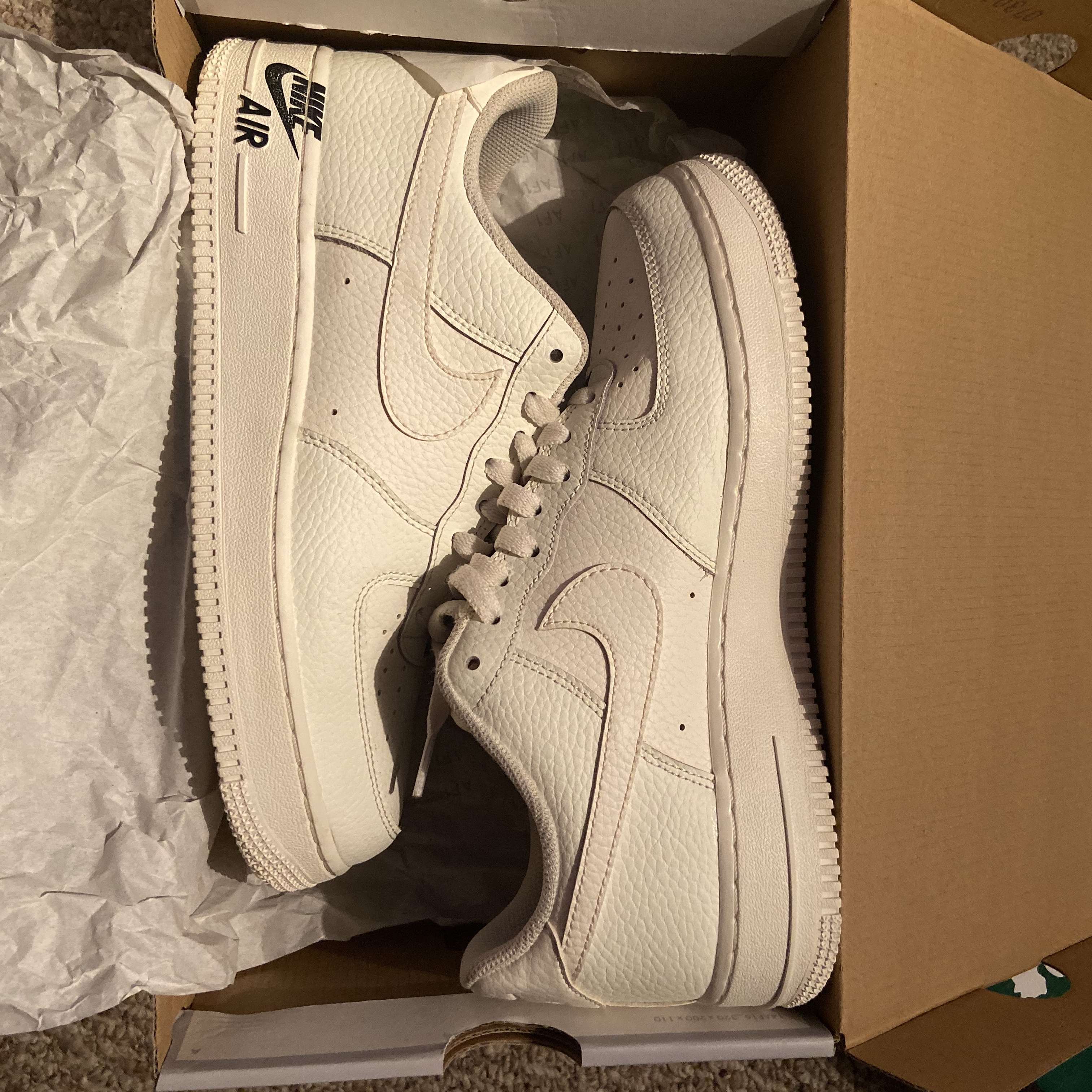 Nike Air Force 1 07 SIZE 8.5 Men's fits