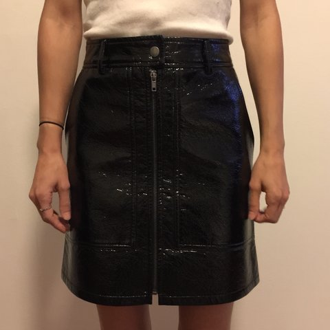 c6b0a6350 *NWT* H&M black faux patent leather skirt Adorable skirt be - Depop