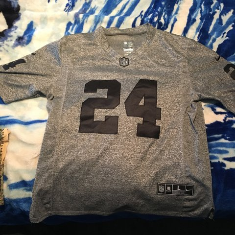 fdcc429dada Oakland Raiders replica Marshawn Lynch jersey SIze: L but a - Depop;