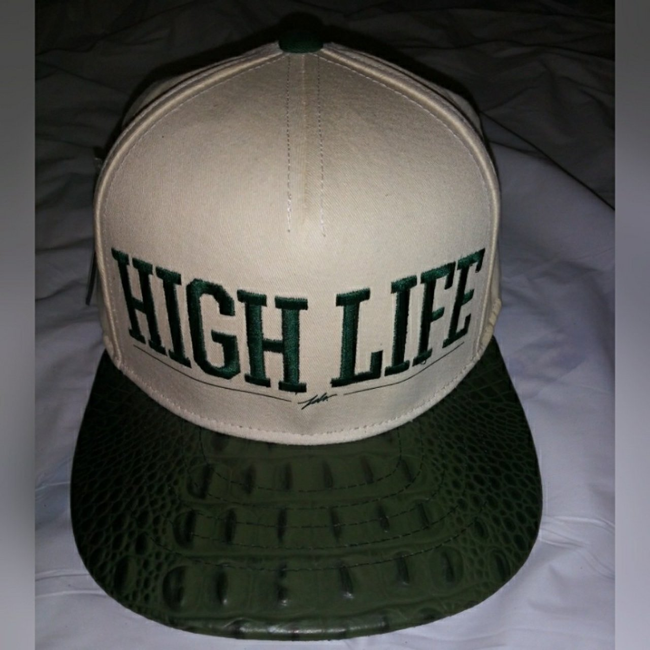 8025bdd61e4 JSLV HIGH LIFE Snapback Hat Off-white Green Large Embroidery - Depop