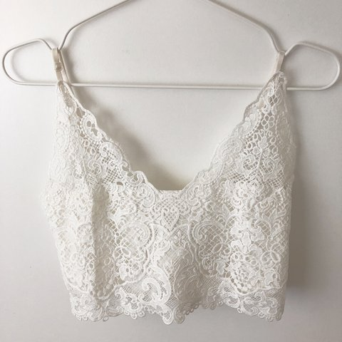 4debdd6ff960b4 White creamy laced crop top with zip detail at the back. for - Depop