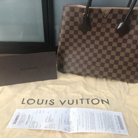 8269ef21a186 Barely used authentic with receipt Kensington Louis Vuitton - Depop