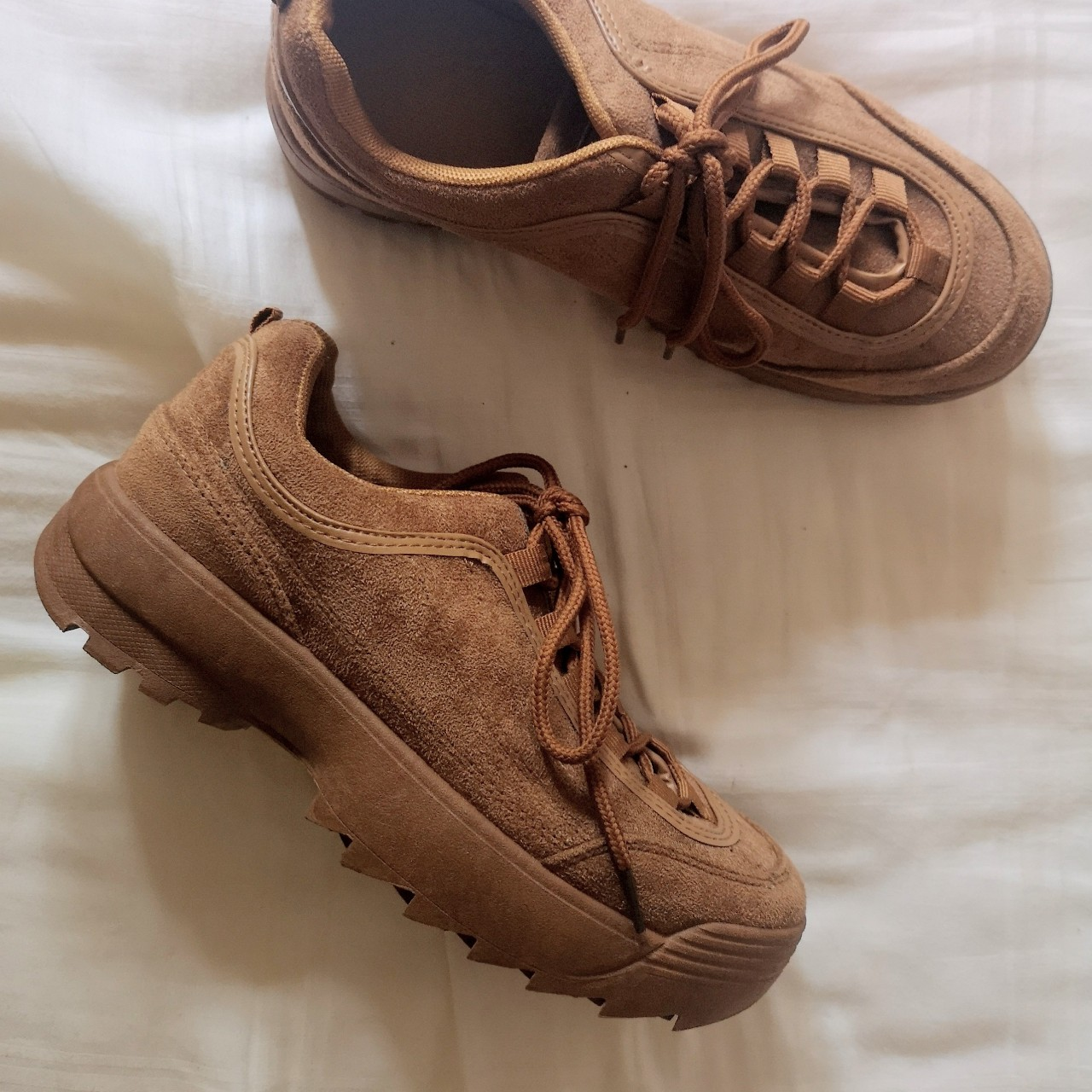 Brand new camel coloured trainers from