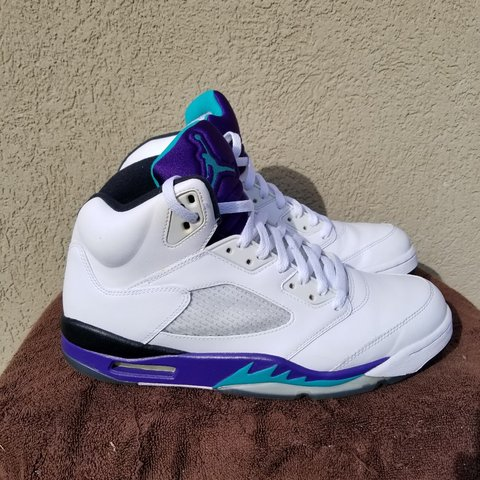 5473d0b5ef56 Jordan 5 Grapes sz11 these are pretty much new shape worn no - Depop