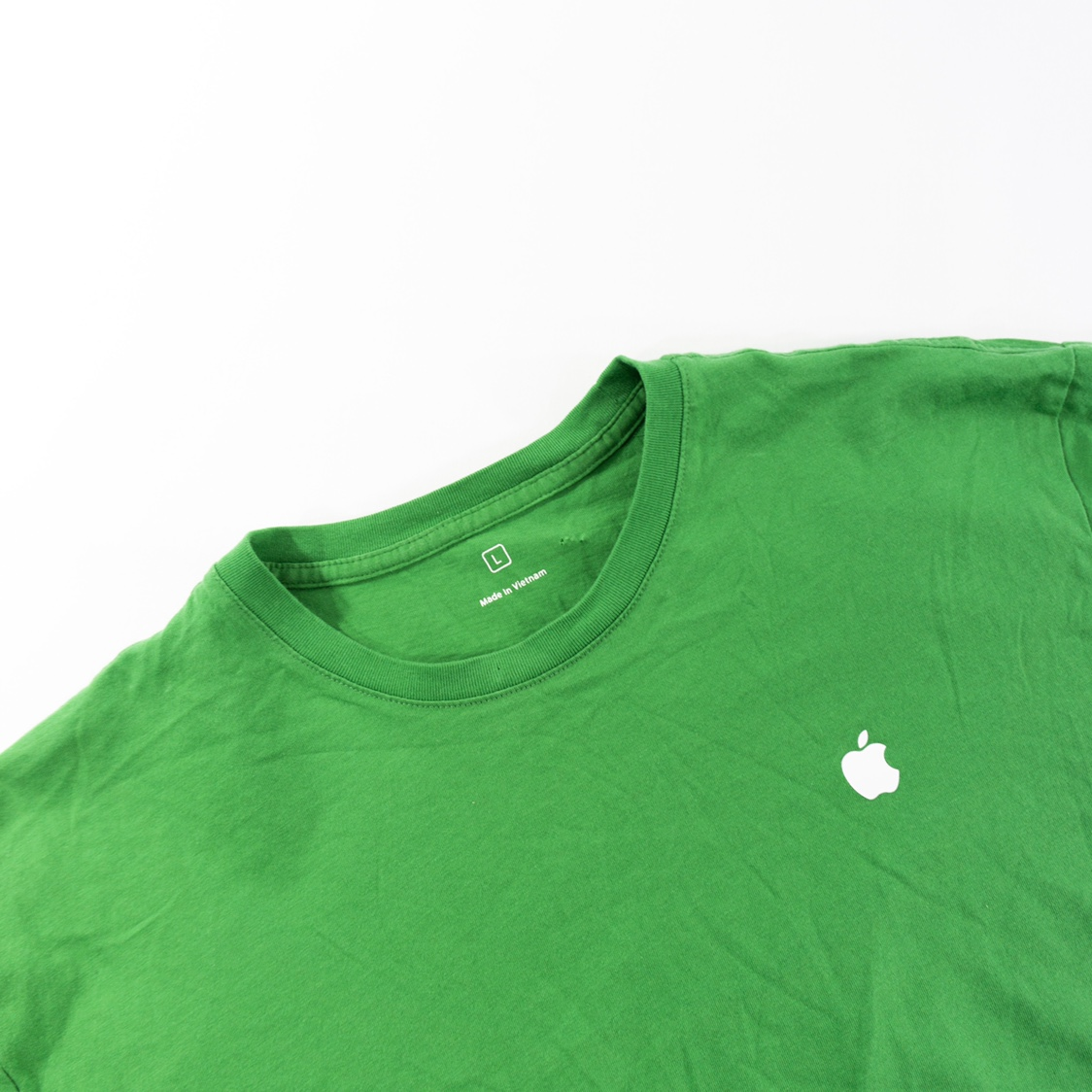 Apple Logo T Shirt Men's Size    - Depop