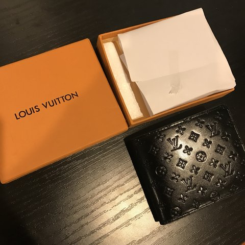 a7c8dc5305f Brand new never used nice Louis Wallet for men and women and - Depop