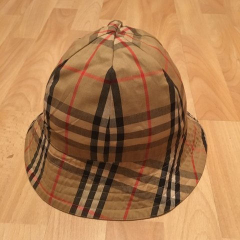 50e22b1b8d571 Authentic Men s  Womens vintage Burberry Nova reversible hat - Depop