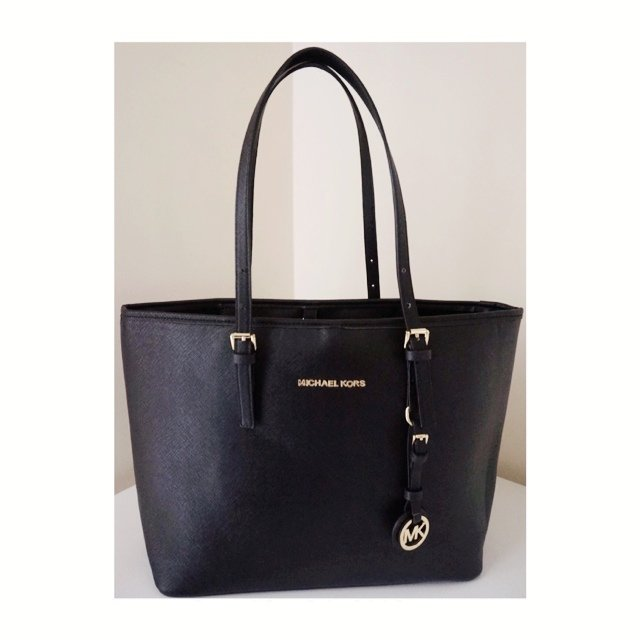 b42dde1bdb8176 @menekse42. 5 years ago. London, United Kingdom. MICHAEL KORS Jet Set  Travel Tote ...