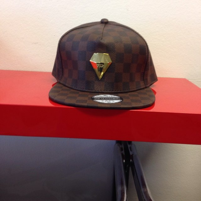 Lkl louis vuitton snapback only in the netherlands - Depop 8bab303d26f