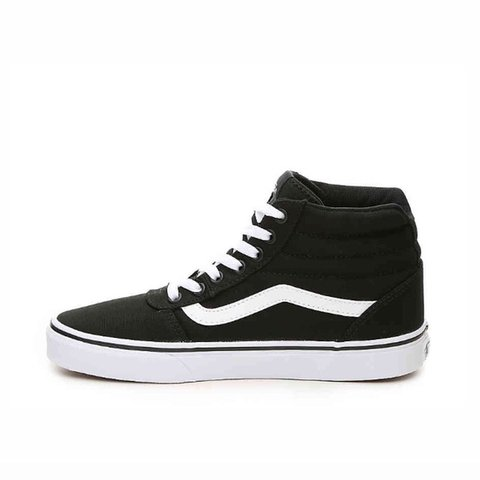 78134b6a284 Women s Vans  black and white color way. Size  US 7.5
