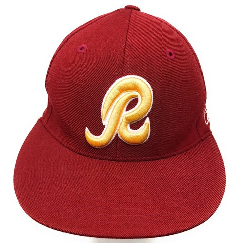 528d2f26567 Vintage Washington Redskins Reebok Authentic Sideline fitted - Depop