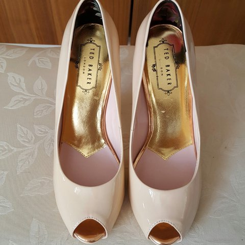 8ad55def8 🎀BRAND NEW TED BAKER HEELS🎀 Nude pink patent leather. 5 - Depop