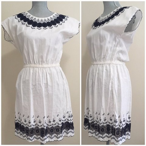 e7b08a40b03 J Crew white summer dress with navy embroidery and scallop a - Depop