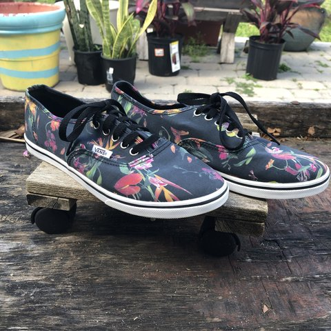 0fd8bb21c5 Vans Off The Wall Floral Authentic Low Pro Skater shoes. of - Depop