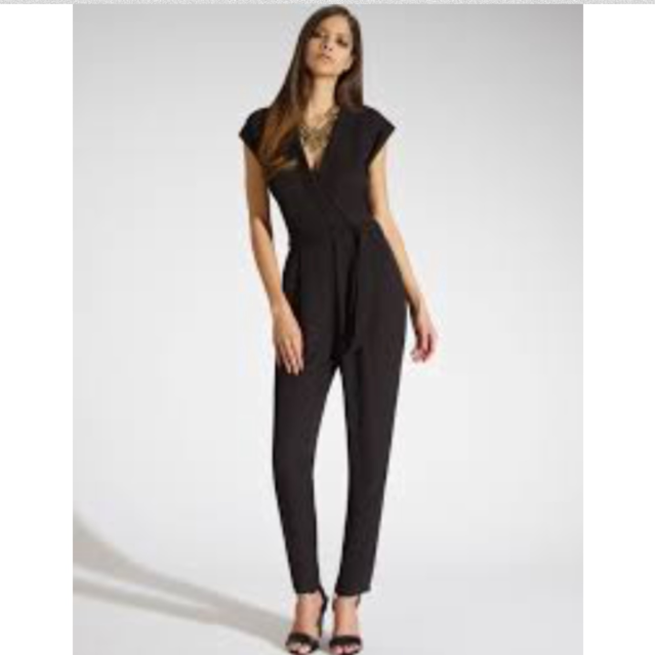 ba518d45319 Selling this gorgeous jumpsuit , only worn one & in perfect - Depop