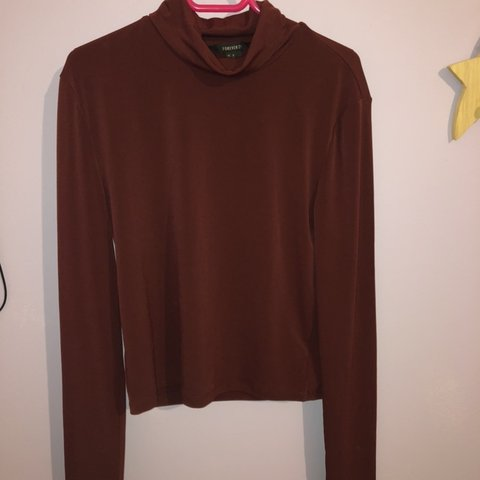 a70dcfd1b3c Burgundy crop turtle neck. Forever 21. Barely worn. Size top - Depop