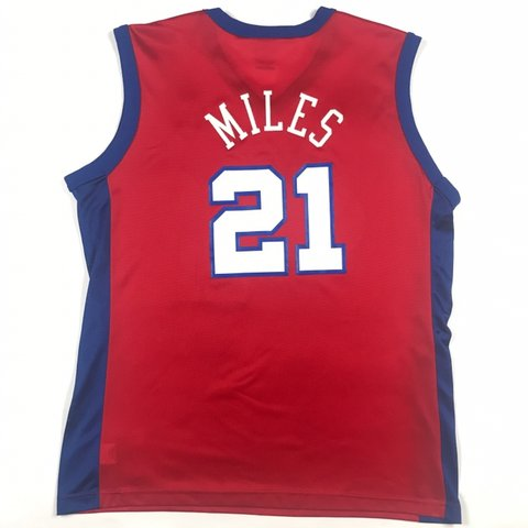 8452fe2763d6 Darius Miles Clippers Champion Jersey. Perfect Condition! - Depop