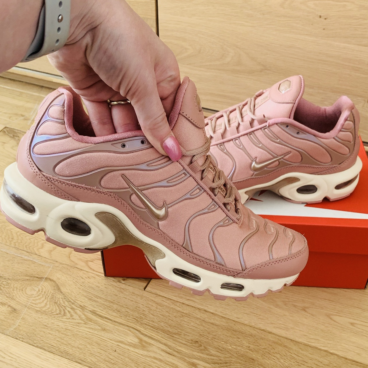 Nike women's Air Max plus trainers AT5695 600 Colour Depop