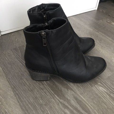 0f3527079dab Black faux leather ankle boots with small heel - Depop