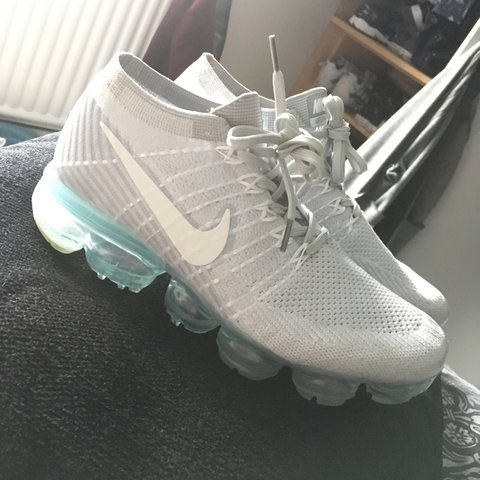 fbb241745eccd NIKE AIR VAPORMAX FLYKNIT PURE PLATINUM TRAINERS UK SIZE A - Depop