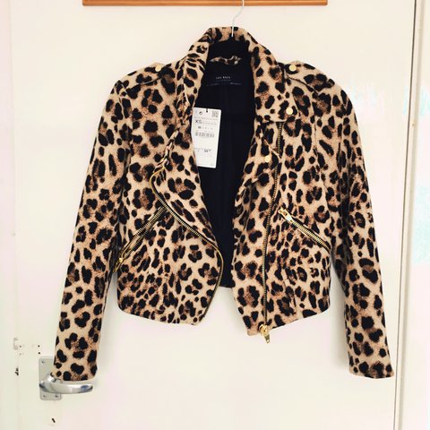 5a354d853a10 @kamiladziuba. 2 years ago. London, UK. Zara animal print jacket. Brand new  with tags.