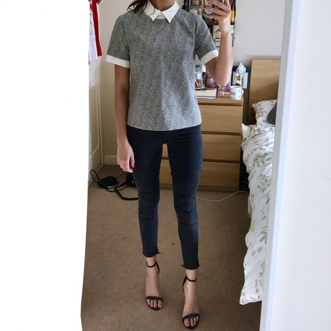 f177d09599 Layered Grey Blouse with White Collar 💬 Grey textured top - Depop
