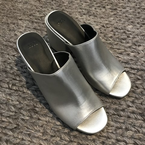 c4a0d11a7 ASOS highland silver mules in size 5. Only worn once so - Depop