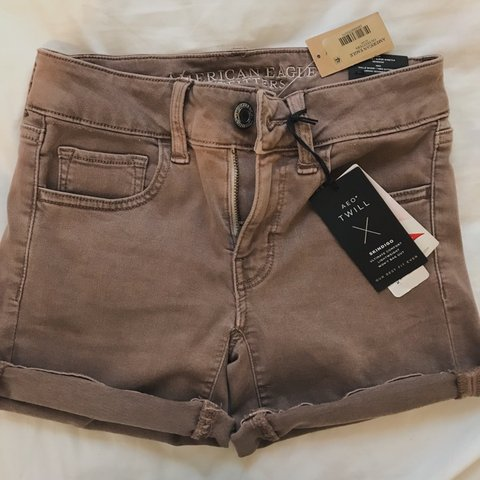 b77d04e65f @margomccall. 2 days ago. United States. BRAND NEW still has tags on  AMERICAN EAGLE mom jean shorts.