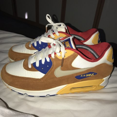 118f6edba50 Nike air max 90s Curry Uk 9.5 Brand new For anymore feel - Depop