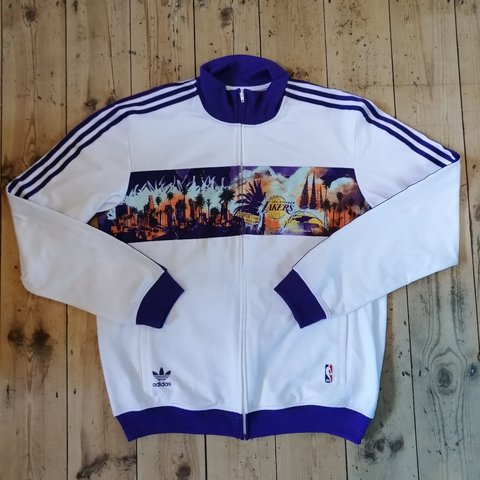 a3a848e7665 @loose_threads. 2 months ago. United Kingdom, GB. Adidas LA Lakers warm up  jacket