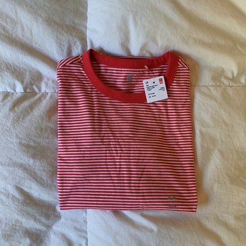658b244dc5 Cute cotton UNIQLO striped red and white t-shirt. Super and - Depop