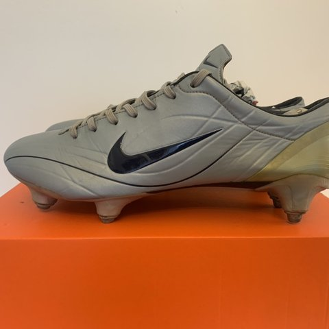 72aec55d838a @ldn_boots. 4 months ago. London, United Kingdom. Nike Mercurial Vapor II  SG Football boots in a size ...