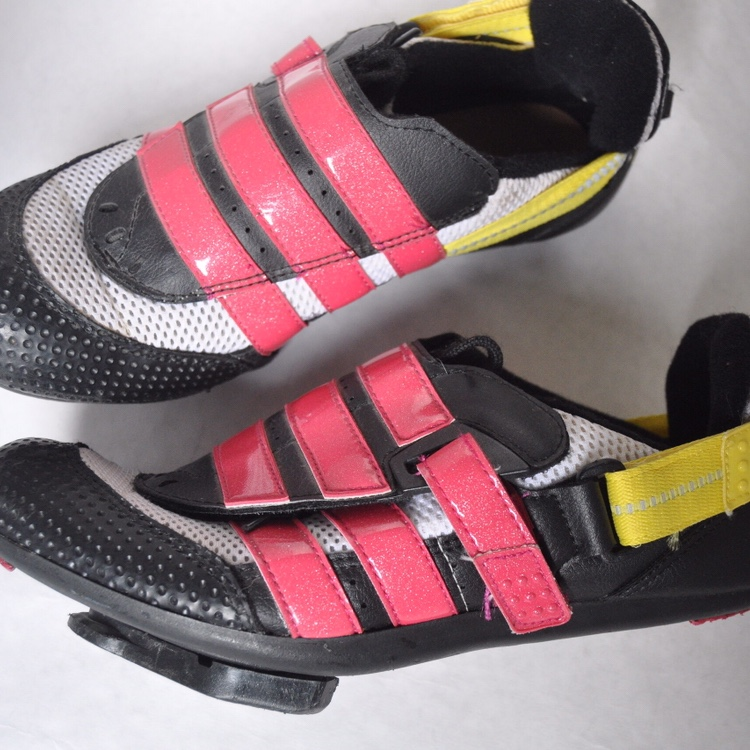 90's Adidas cycling shoes black pink