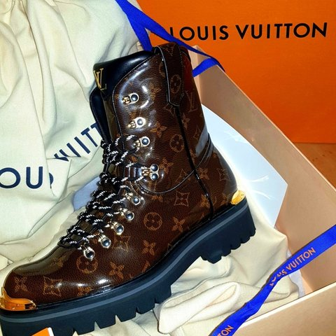 a8f44ab022a9 Louis Vuitton