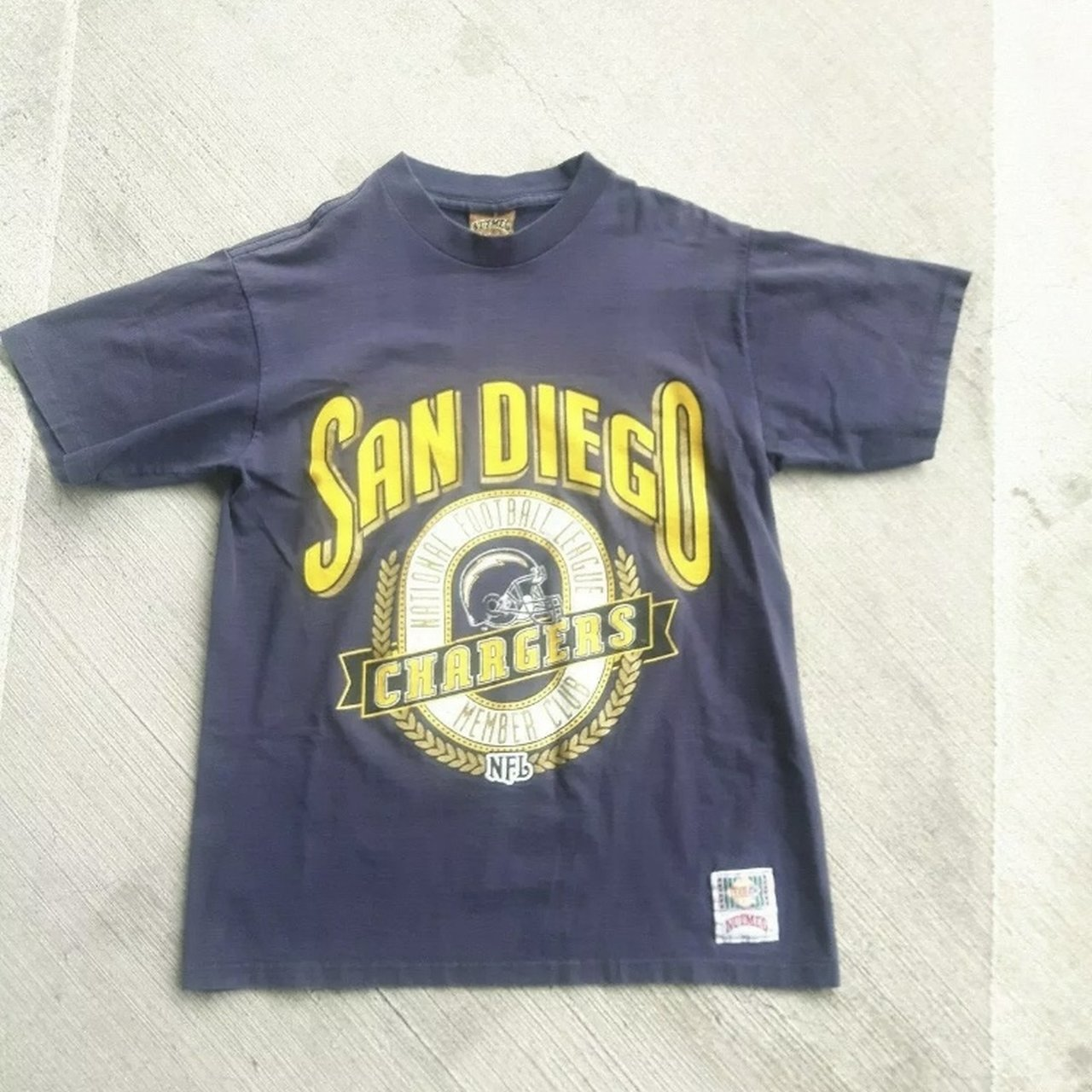 Vintage 1990s Nutmeg Mills San Diego Chargers T-Shirt Size - Depop 40bd5952d