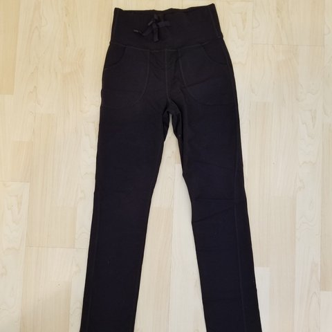 6f8bcd249f @emngn. 2 months ago. Garden Grove, Orange County, United States. lululemon  yoga pants like new! has pockets!
