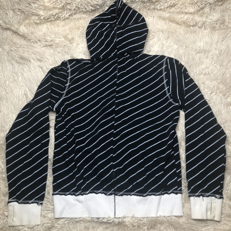 Hurley x Paramore Zip Up Hoodie Gently used, some    - Depop