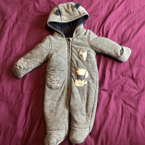 2196ac84f @mamaandlennon. 6 days ago. Leicester, United Kingdom. WINNIE THE POOH navy SNOWSUIT  3-6 months. Disney baby. Unisex