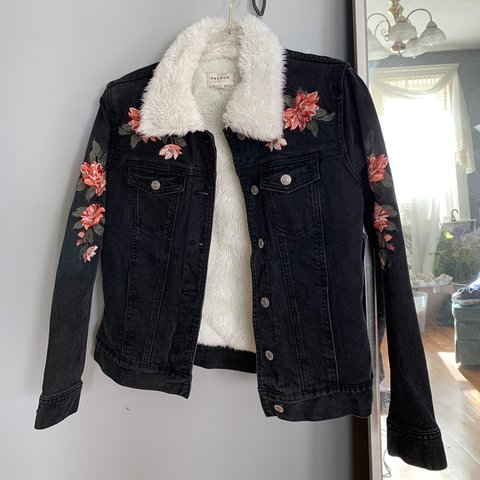 8b8b4ab8cb25 🌸☀ 🎀🧡🌸✨⭐ PacSun Black denim embroidered jacket with - Depop