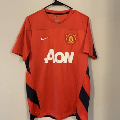 61b0cef7a8d Nike Mens Soccer Jersey Manchester United FC Red home This - Depop