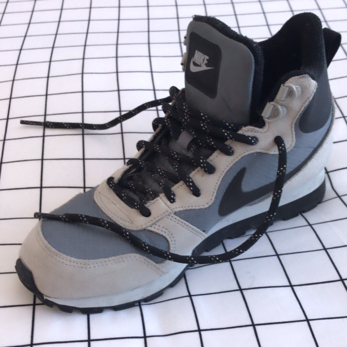 Details about Nike MD Runner 2 MId Premium Sneaker Size 7
